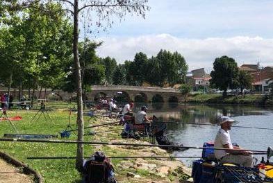 Más de una veintena de pescadores participa en la Fase Provincial del Campeonato de Extremadura