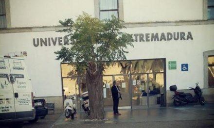 La Junta de Extremadura bonificará la matrícula de los estudiantes de la Universidad de Extremadura
