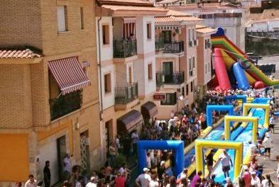 El barrio de Santiago de Coria comenzará este viernes sus fiestas con el pregón y el Mercado Nocturno