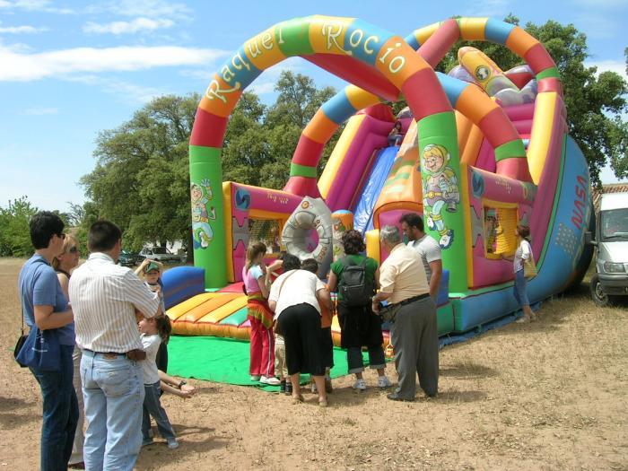 Moraleja celebra hoy el Día del Niño con numerosas atracciones y juegos en la zona de La Chopera
