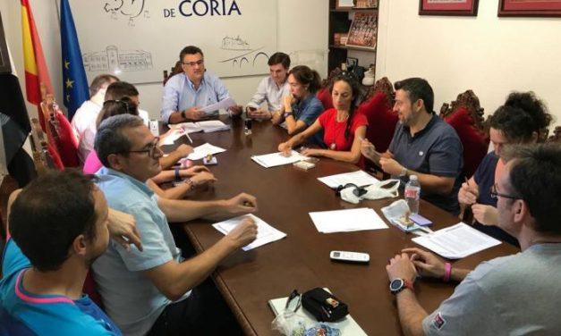 Coria firma un convenio con los clubes y asociaciones deportivas para el fomento del deporte en la ciudad