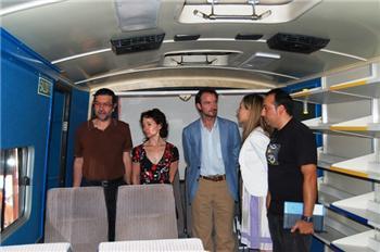 El gerente del Gabinete de Iniciativa Joven inaugura en Carcaboso una empresa de adaptación de vehiculos