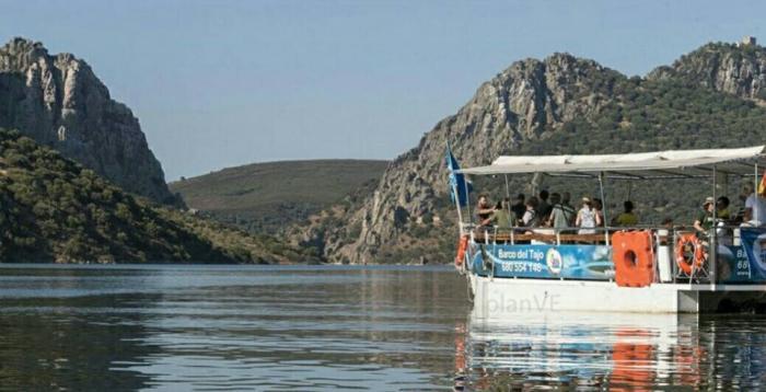 """El """"Barco del Tajo"""" estrena una nueva ruta que recorre el río Alagón desde Ceclavín y hasta los Canchos de Ramiro"""