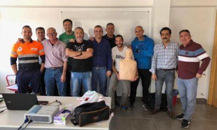 Agentes de Policía Local y miembros de los colegios de Moraleja se forman en el uso del desfibrilador