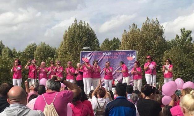 Moraleja muestra una vez más su solidaridad con los enfermos de cáncer con una multitudinaria Marcha Rosa