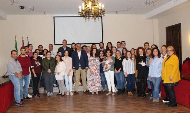 El alcalde de Coria clausura los talleres de las Escuelas Profesionales de Ayuda a Domicilio y Turismo