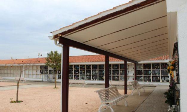 El Ayuntamiento de Coria dota el cementerio municipal con 70 columbarios para cenizas