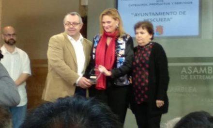 """El Ayuntamiento de Pescueza recibe el premio a la accesibilidad por el proyecto """"Quédate con nosotros"""""""