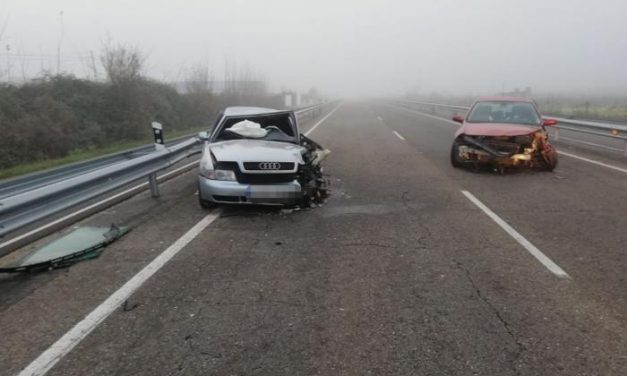 Cuatro personas resultan heridas de diversa consideración en un accidente cerca de Coria