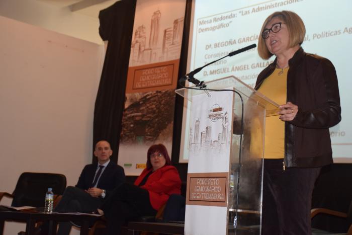 """Rosario Cordero destaca la necesidad """"de pasar a los hechos"""" para luchar contra la despoblación"""