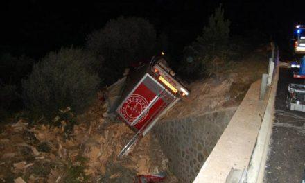 Tres personas, dos mujeres y el conductor de un camión, fallecen en un accidente de tráfico en Valverde