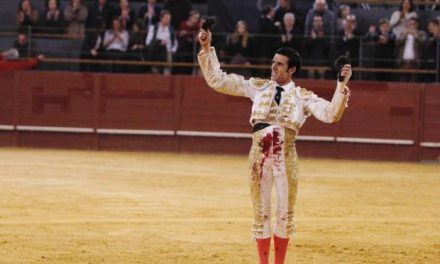 El diestro Emilio de Justo sale a hombros de la Feria de Invierno celebrada en el Palacio de Vistalegre