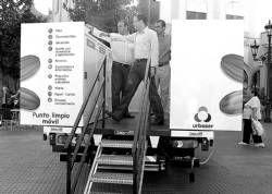 Un nuevo camión con contenedores recogerá desechos domésticos en Villanueva de la Serena