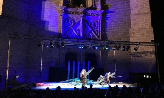 """La compañía """"Stres de Quatre Teatro"""" inaugurará el día 22 el XXVII Certamen de Teatro de Coria"""