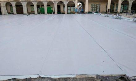 El Ayuntamiento de Coria acomete obras de impermeabilización y solado en la Plaza de Salamanca