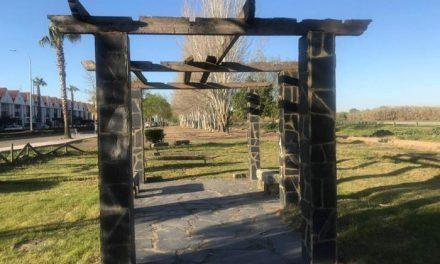 El Ayuntamiento de Moraleja está acometiendo trabajos de mejora en el parque de la Avenida Lusitania