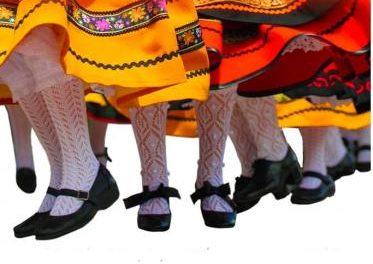 Rincón del Obispo celebra este sábado el VI Festival Folklórico de las Flores con cuatro grupos de la zona