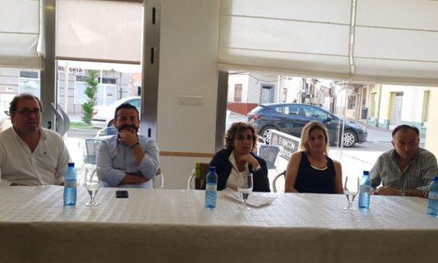 La candidata al Parlamento europeo por el PP se reúne con diferentes colectivos de Moraleja