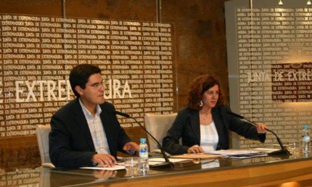 La policía intervendrá en la prevención del absentismo escolar, en un acuerdo de la Junta y la Fempex