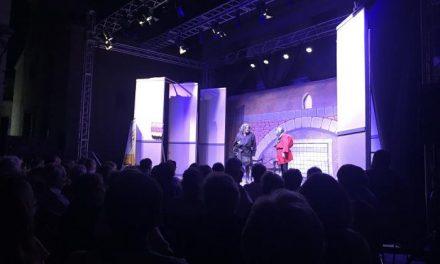 Numeroso público se cita en Coria para disfrutar de una nueva edición del Festival de Teatro
