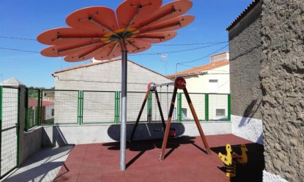 Pescueza reforma su parque infantil con un presupuesto de más de 400.000 euros