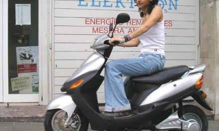Moraleja inicia una campaña de concienciación dirigida a los usuarios de ciclomotores durante el mes de agosto