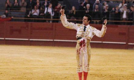 """Emilio de Justo recibe el premio """"Coliflor de plata"""" como el mejor matador de Calahorra en La Rioja"""