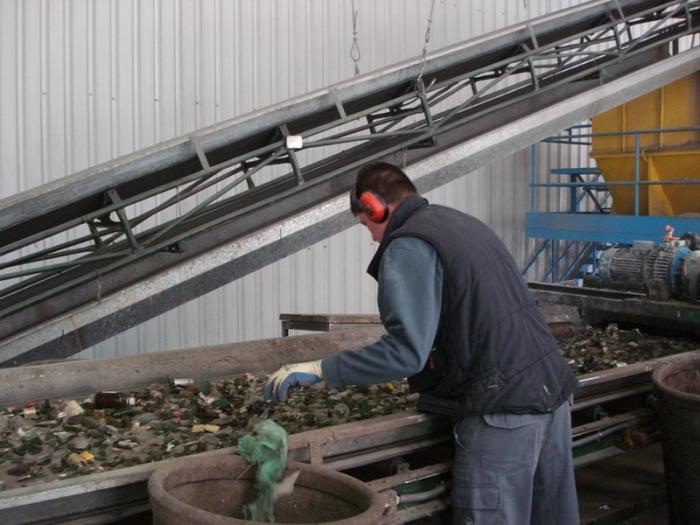 Extremadura se mantiene como la comunidad con mejores datos en incremento anual de reciclado de vidrio