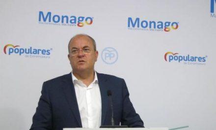 """Monago pide a Pedro Sánchez que """"se acuerde"""" de los extremeños y trate de """"acelerar"""" el tren en la región"""