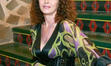 La activista Carla Antonelli será homenajeada en Hoyos por su defensa de las personas LGTBI