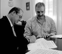 Un convenio ayudará a que la asociación de ayuda al toxicómano de Don Benito trabaje la inserción laboral