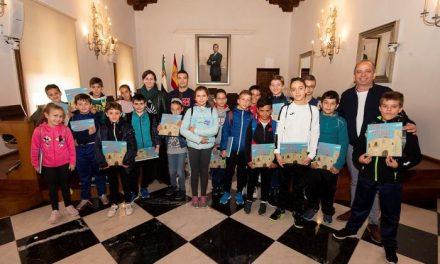 Escolares de Huélaga y Riolobos inauguran las jornadas de puertas abiertas de la Diputación de Cáceres