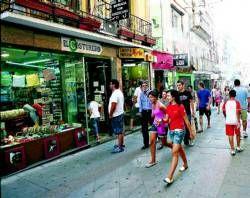 La apertura de dos nuevos centros comerciales en Mérida preocupa al pequeño y mediano comercio