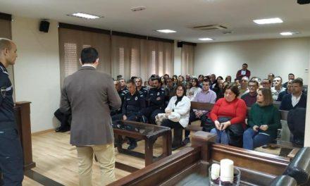 El Ayuntamiento de Moraleja rinde homenaje en un acto a la labor diaria de la Policía Local