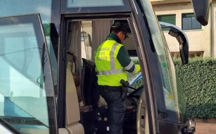 Investigan al conductor de un autobús escolar que quintuplicaba la tasa de alcohol en Talavera la Real