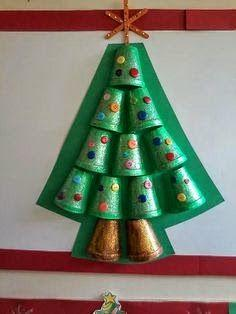 El Ayuntamiento de Moraleja organiza talleres navideños de reciclaje para niños en la casa de cultura