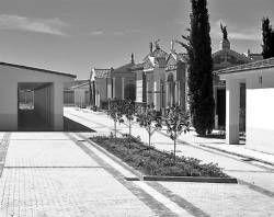 El Ayuntamiento de Almendralejo informatizará la localización de los nichos en el cementerio