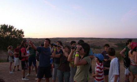 La ruta Atardecer en los Canchos congrega a medio centenar de personas en el Valle del Alagón