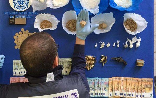 La Guardia Civil detiene en Badajoz a seis personas y desarticula un clan dedicado al abastecimiento de droga