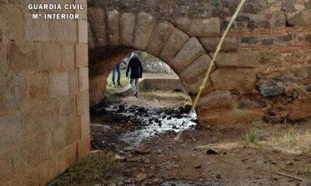 Investigan a una empresa de Mérida por verter aguas industriales sobre una canalización romana