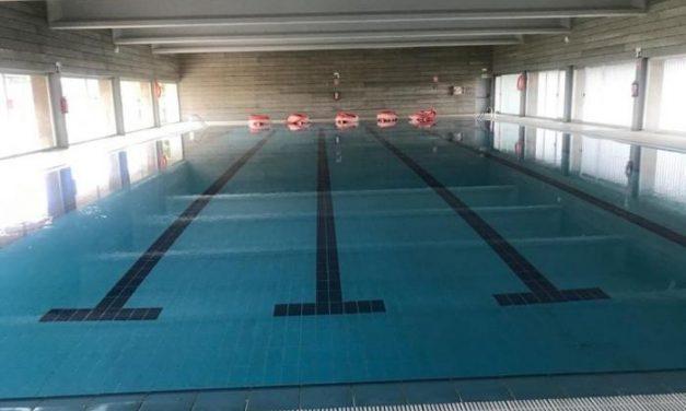 El consistorio de Moraleja prevé que las obras de climatización de la piscina cubierta finalicen en abril