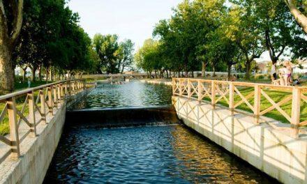 """Moraleja ve como """"una gran apuesta"""" acudir a FITUR para promocionar la piscina natural del parque fluvial"""