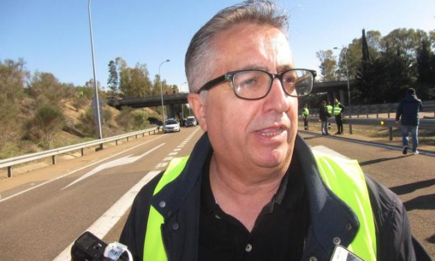 UPA-UCE valora la participación masiva de los agricultores en los cortes de carretera en Extremadura