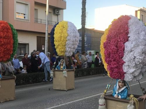 """El grupo """"Exploradores en el aire"""" gana el primer premio del Gran Desfile de Carnaval de Moraleja"""