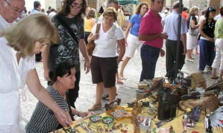 El Ayuntamiento de Coria ampliará la zona del 'Jueves Turístico' en el 2009 para dar cabida a más artesanos