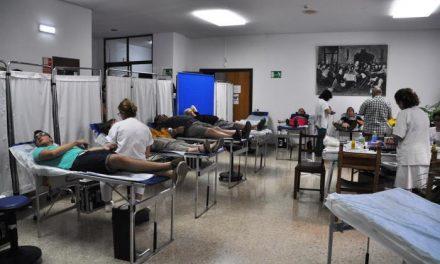 Los equipos del Banco de Sangre prevén recoger casi 2.000 litros en donaciones durante este mes