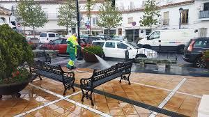 Los operarios de jardinería y limpieza de Coria desinfectarán calles y espacios públicos