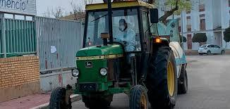 Las organizaciones agrarias ofrecen a la Delegación del Gobierno  sus tractores para desinfectar