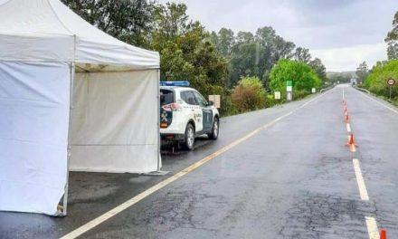 Coria cede  pequeñas carpas para la Guardia Civil que controla los pasos fronterizos de Valverde y Monfortinho