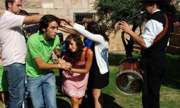La Enramá 2008 de Pinofranqueado reunirá a medio centenar de parejas este domingo día 24